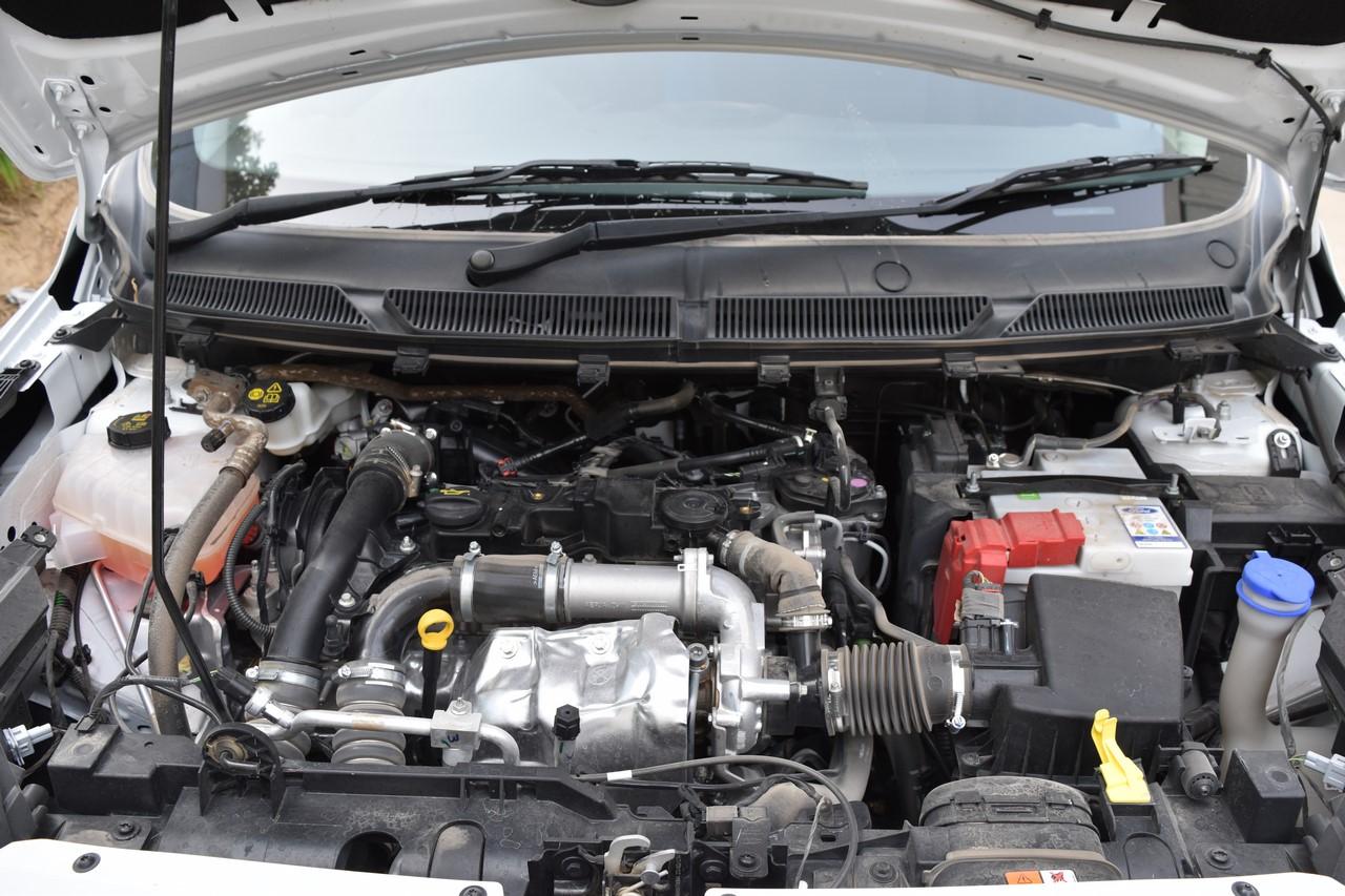 Ford Figo Sports Edition (Ford Figo S) engine bay