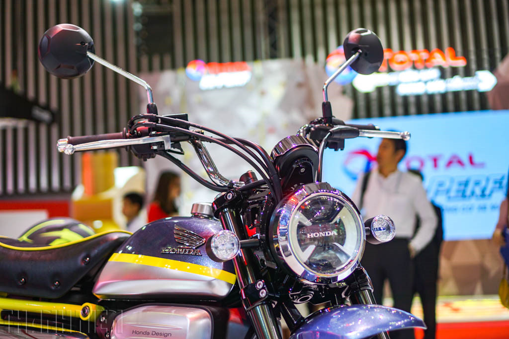 Honda Monkey 125 concept at 2017Vietnam Motorcycle Show headlamp