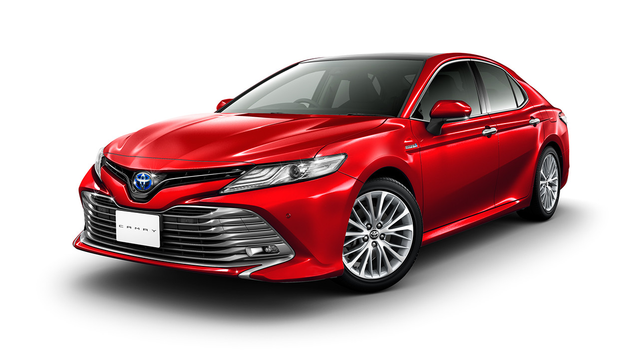 JDM-spec 2018 Toyota Camry Hybrid front three quarters left side studio image