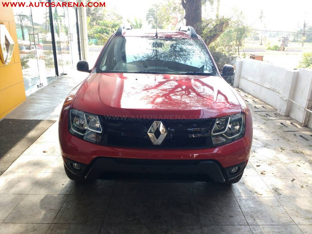 Renault Duster Xtronic CVT front spied at dealership
