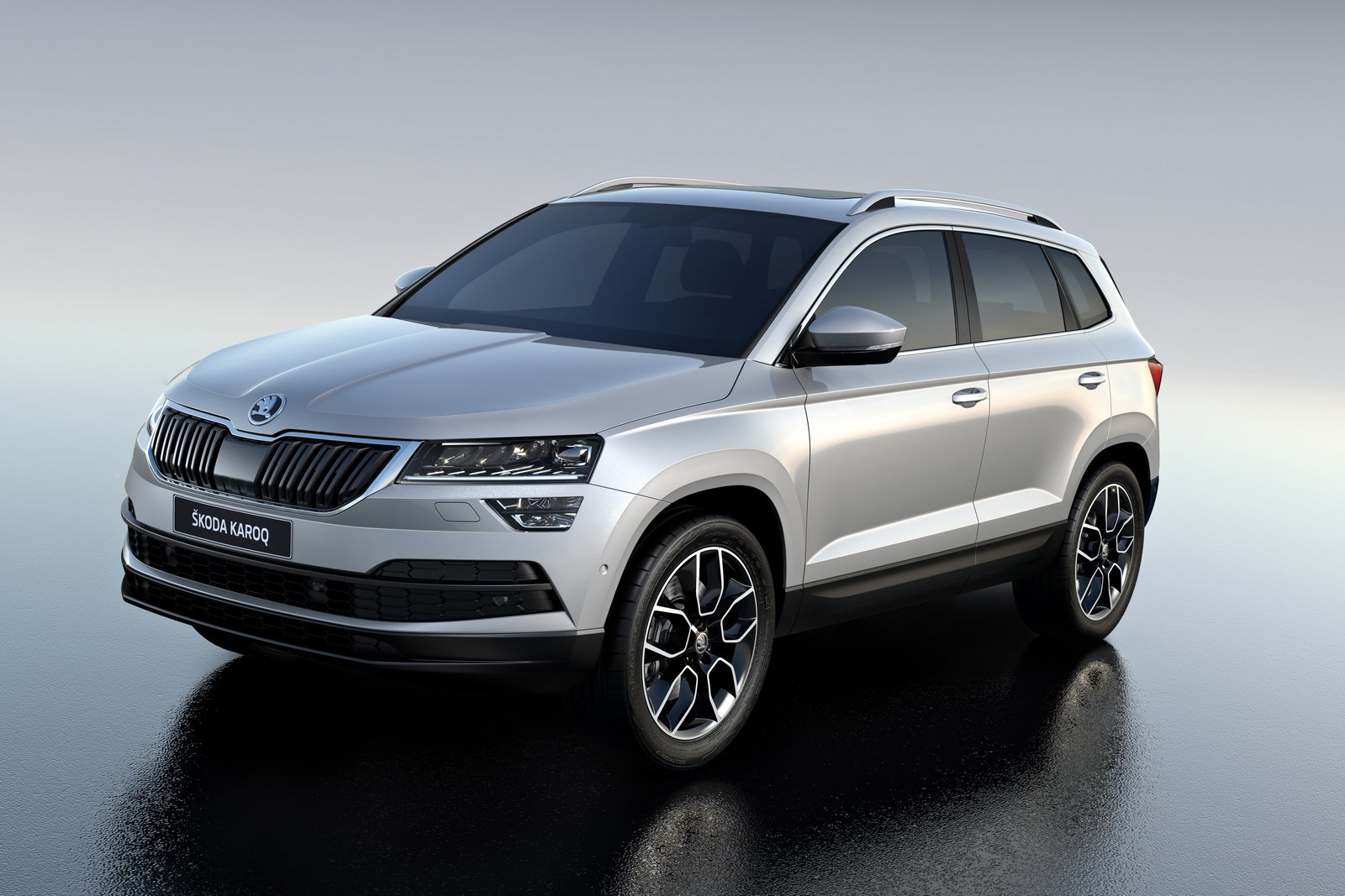 Skoda Karoq front three quarters left side