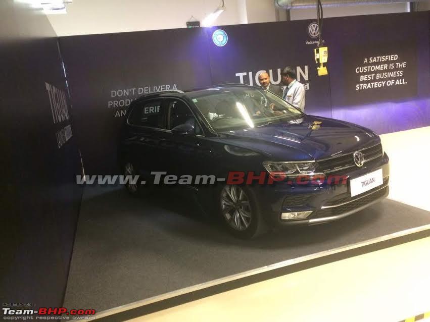 VW Tiguan front three quarters at dealer training