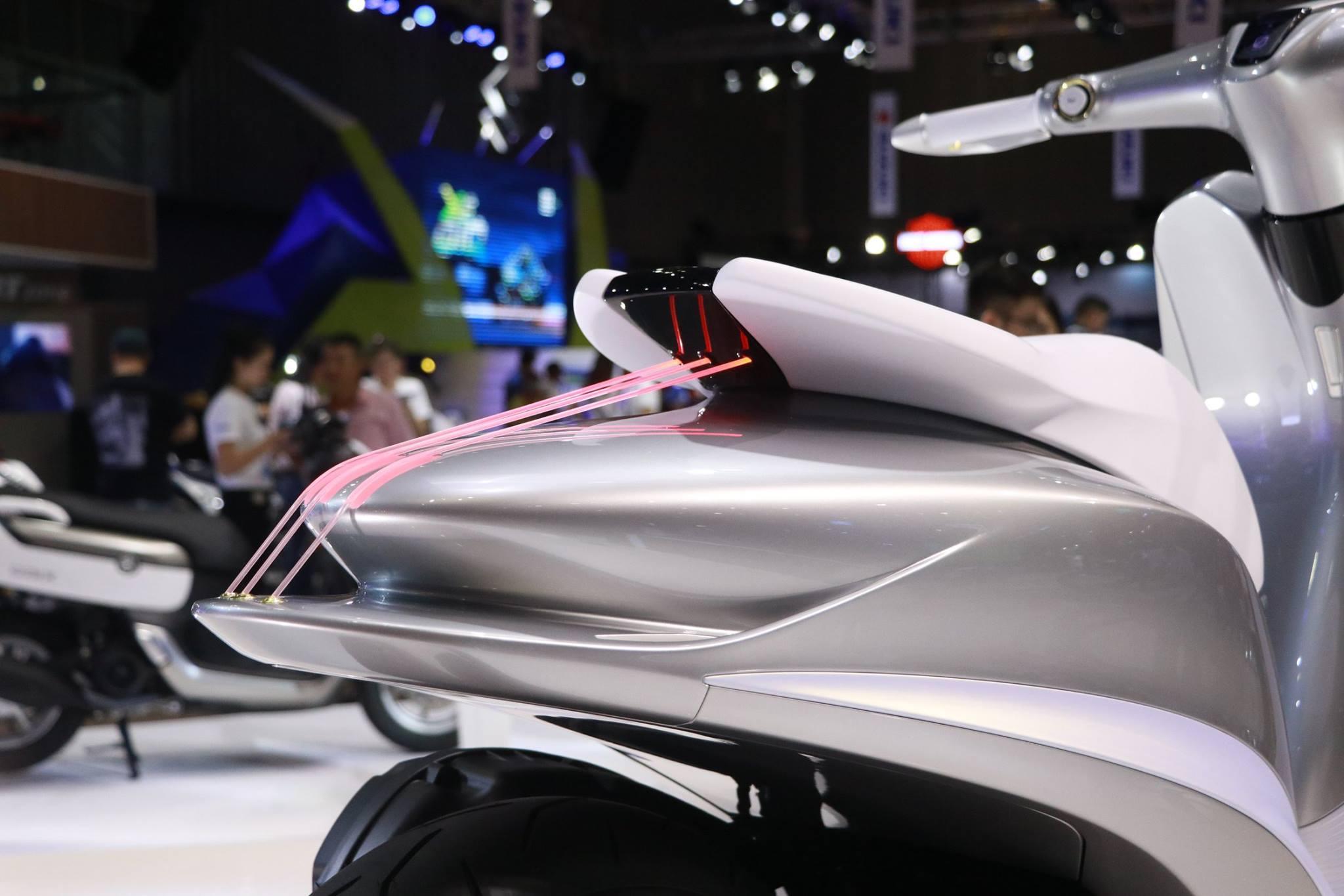 Yamaha Glorious at Vietnam Motorcycle Show taillamp