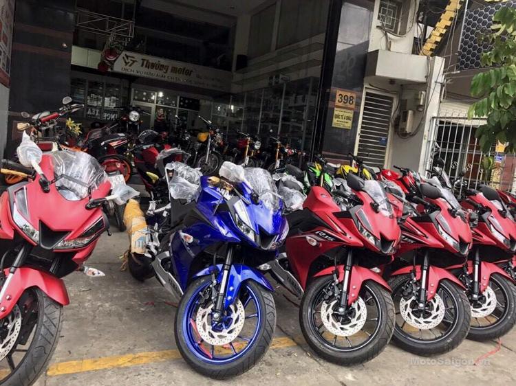 Yamaha R15 v3.0 Vietnam dealership front
