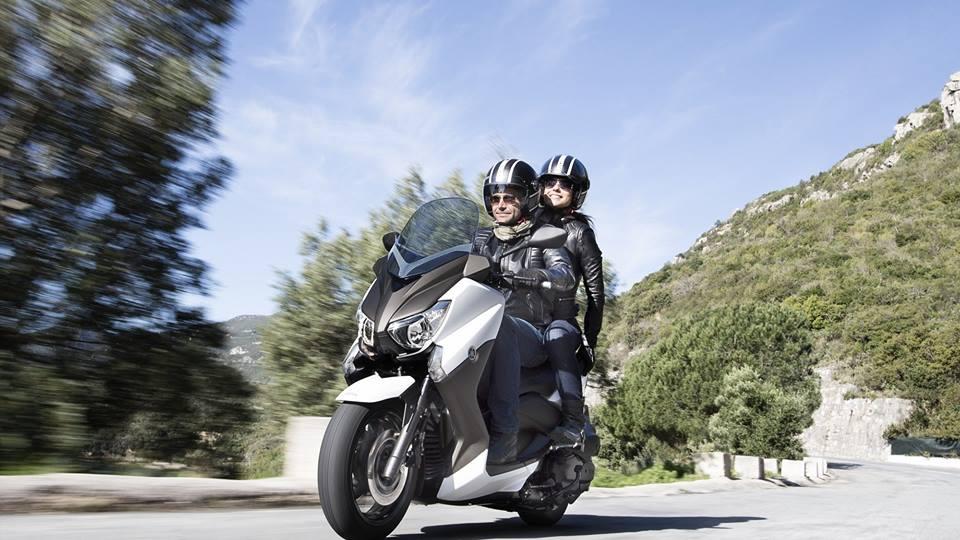Yamaha X-Max 250 motion