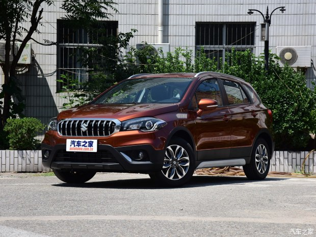 2017 (Maruti) Suzuki S-Cross front three quarters left side