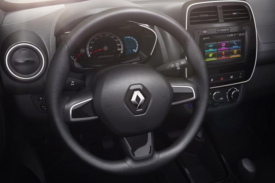 Renault Kwid Brazilian spec steering wheel and instrument cluster