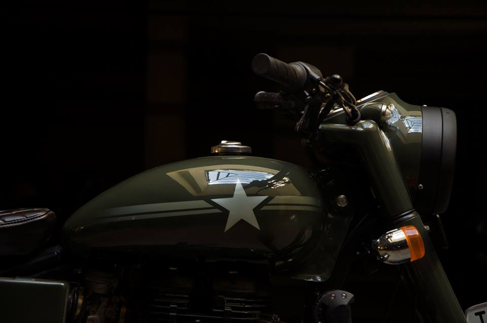 Royal Enfield Bullet 350 Standard Mahi by Eimor Customs fuel tank