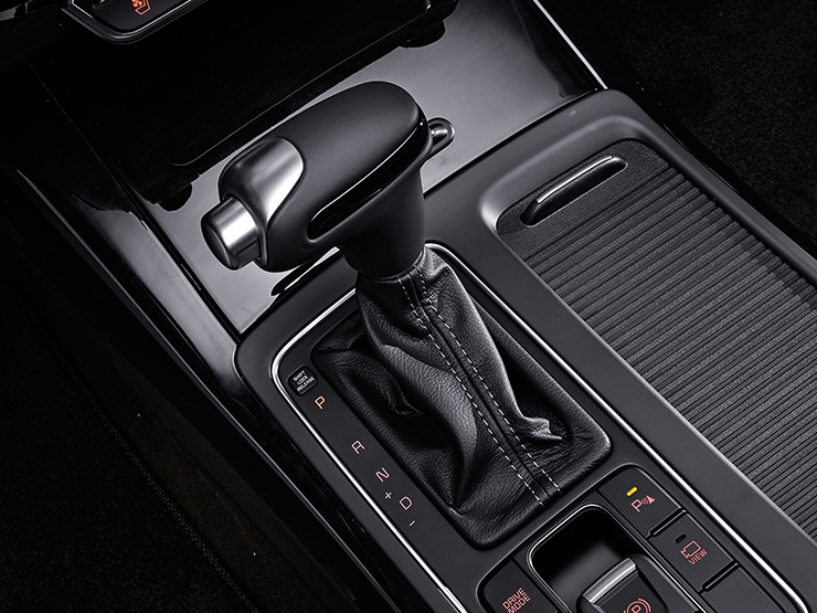 2018 Kia Sorento (facelift) gearshift lever