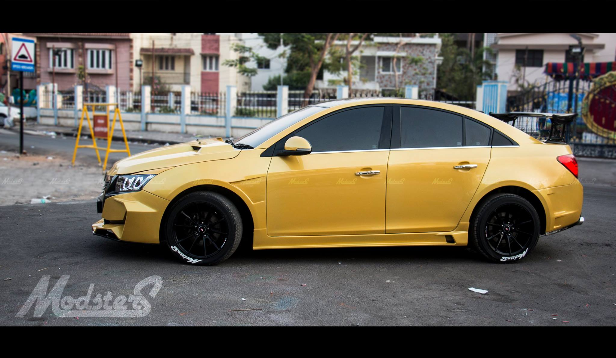 Chevrolet Cruze Project 'Yellow Transformer' side