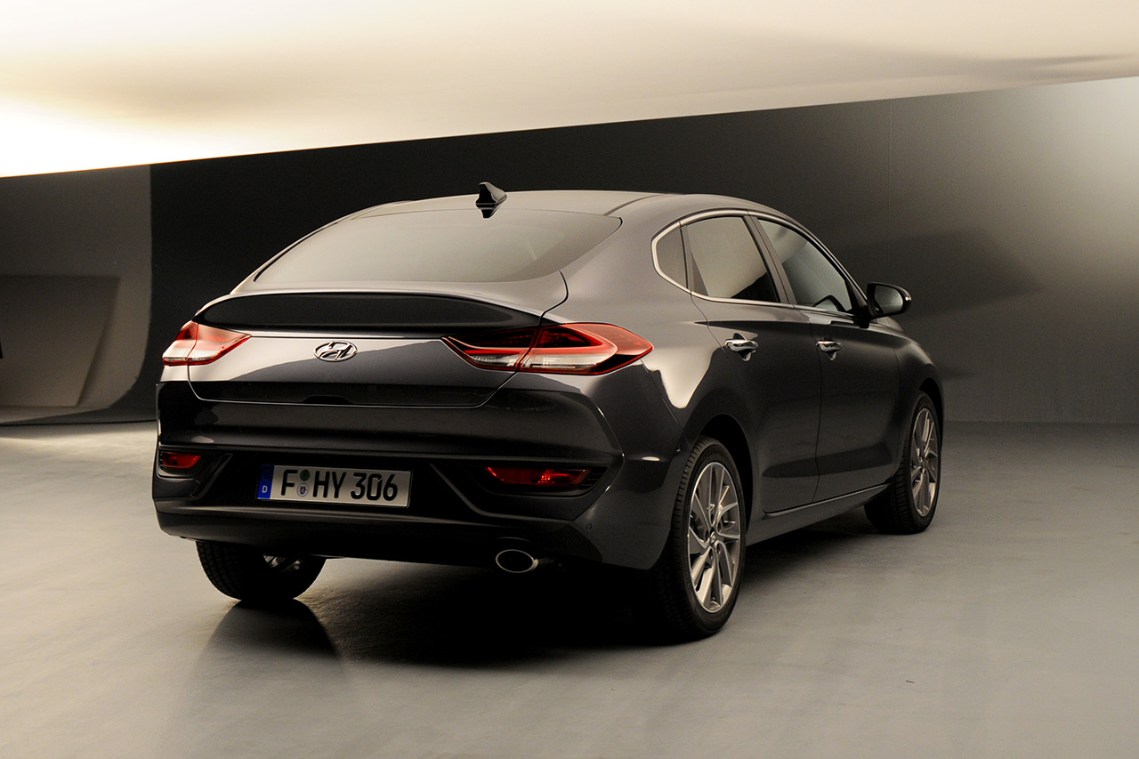 hyundai i30 fastback rear three quarters right side. Black Bedroom Furniture Sets. Home Design Ideas