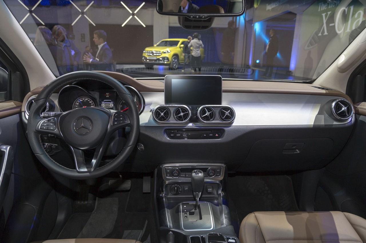 Mercedes X-Class dashboard