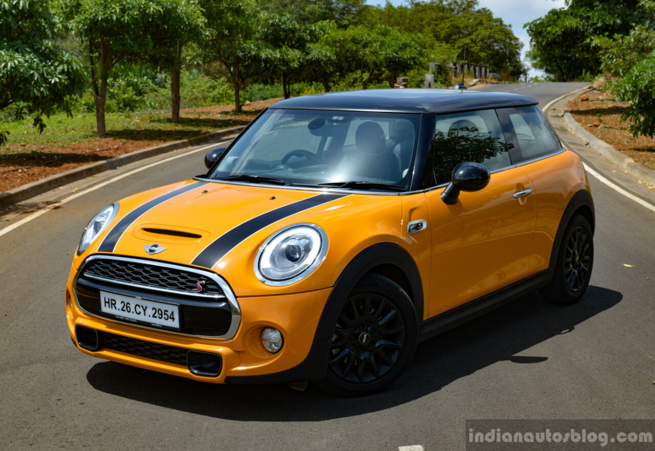 Mini Cooper S with JCW Tuning Kit 2017 front three quarter Review