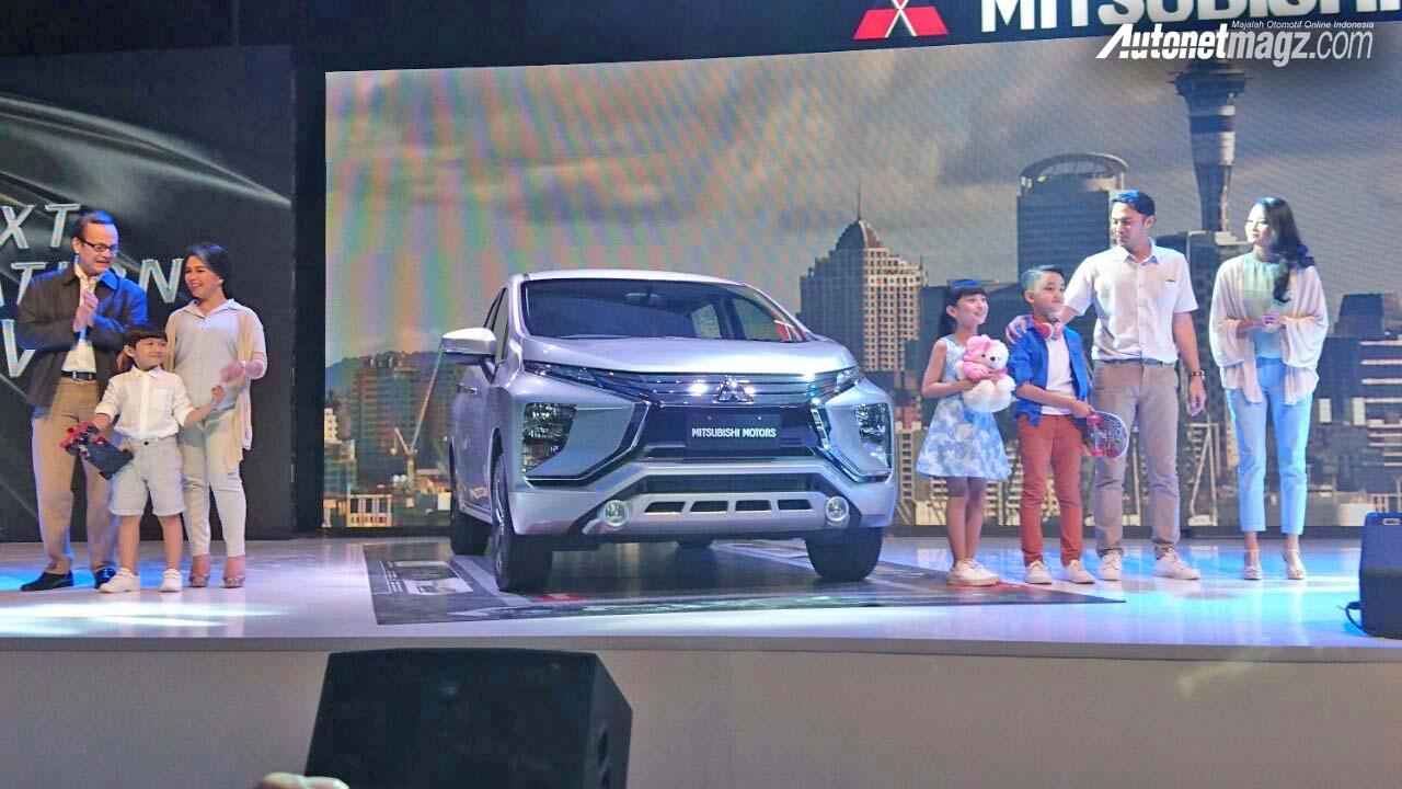 Mitsubishi Expander MPV Unveiled Right Front Three Quarters