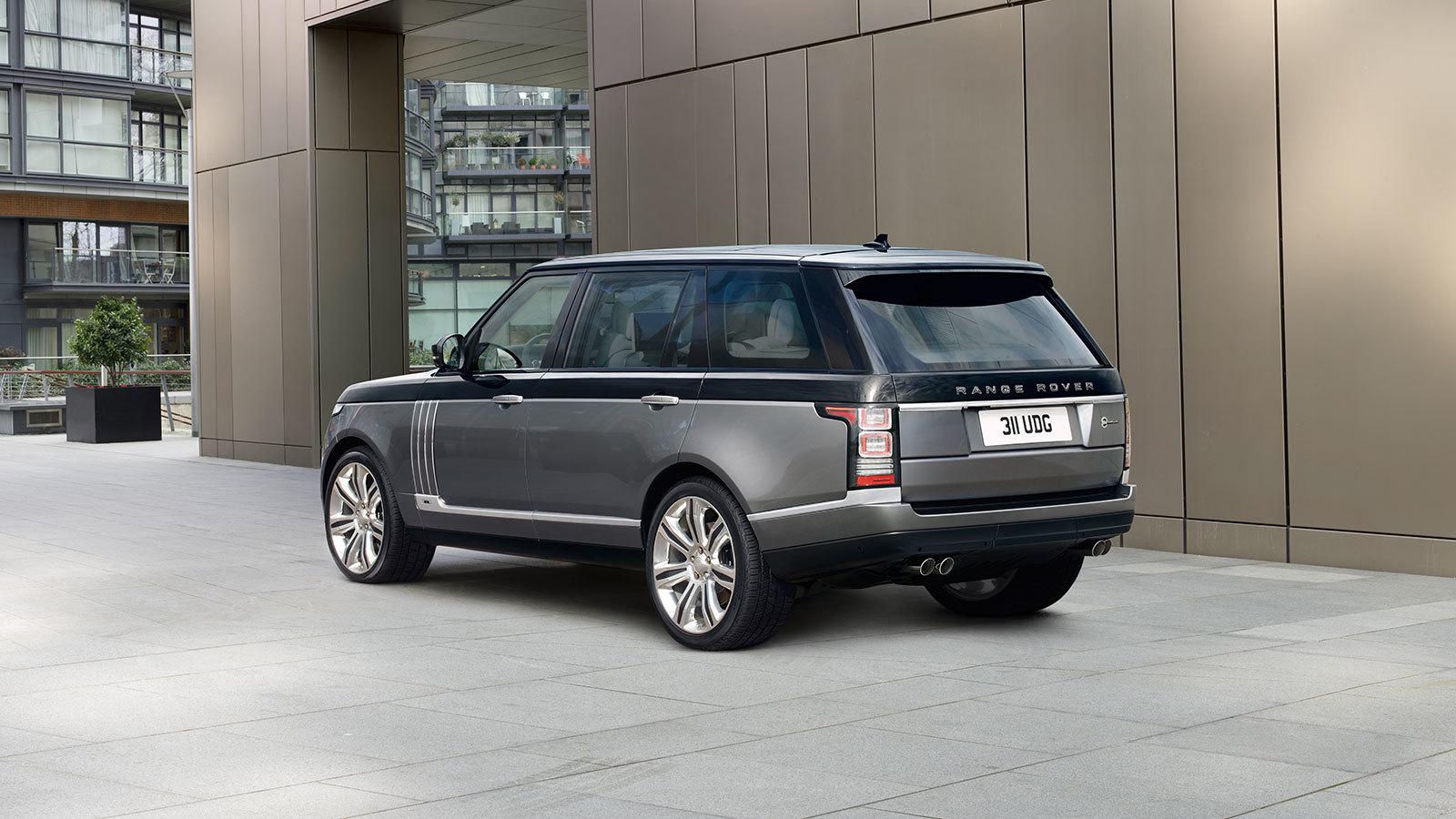 Range Rover SVAutobiography Rear Three Quarters