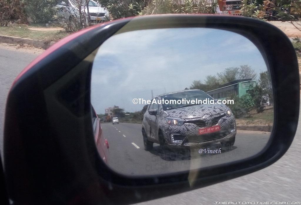 Renault Captur (Renault Kaptur) front three quarters right side spy shot India