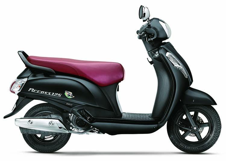 Suzuki Access 125 matte black side