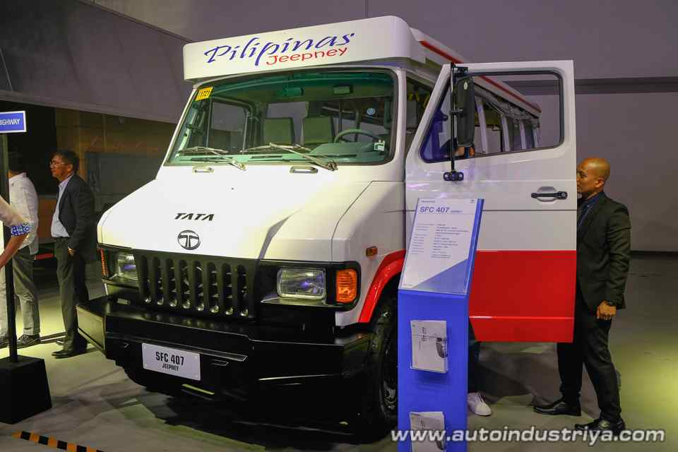 Tata SFC 407 Jeepney concept front three quarters