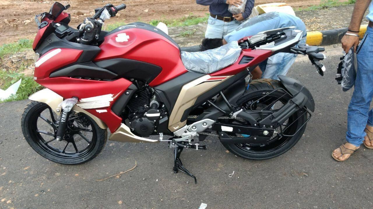 Yamaha Fazer 250 Spied Undisguised Side View