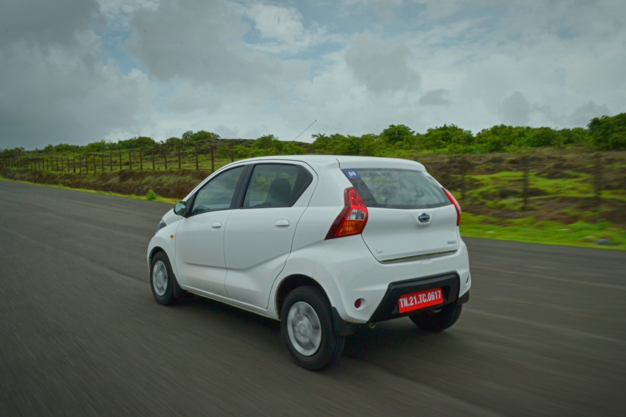 Datsun redi-GO 1.0 Review tracking left rear