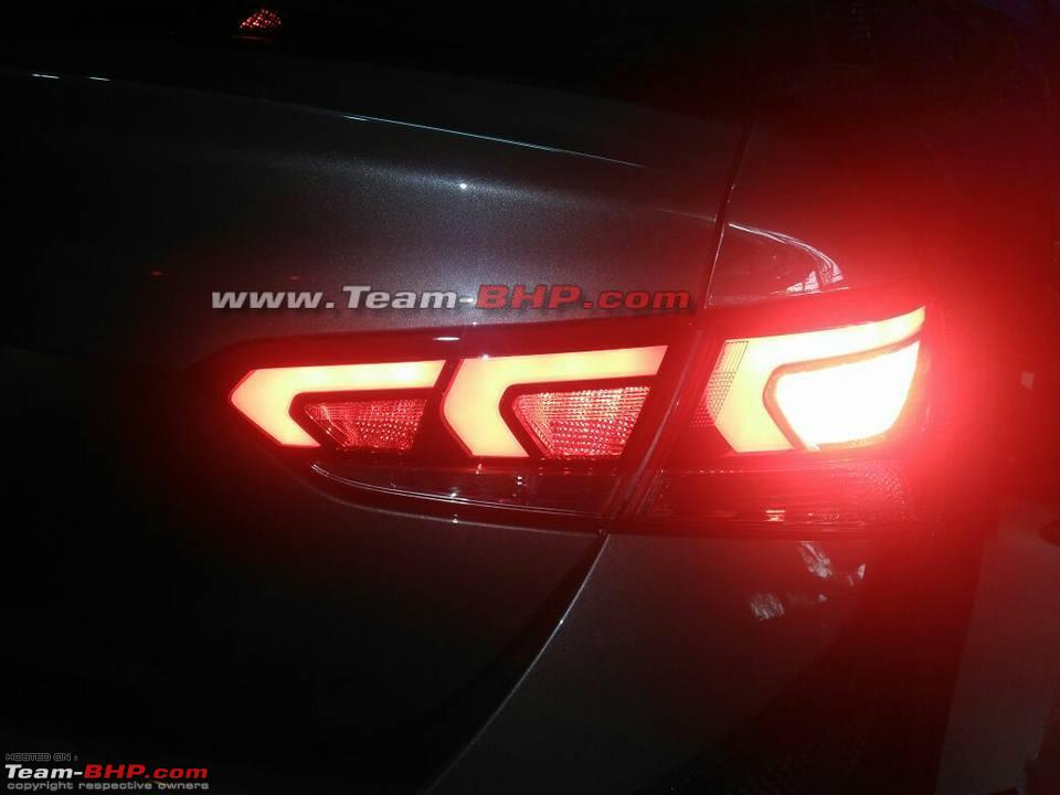 2017 Hyundai Verna spied undisguised right side tail lamp glow pattern