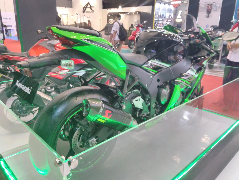 2017 Kawasaki Ninja Zx10 R With Akrapovic Exhaust Giias 2017 Live