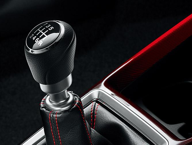 2017 Suzuki Swift Sport gearshift lever