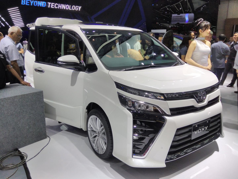 Kekurangan Toyota Voxy Tangguh