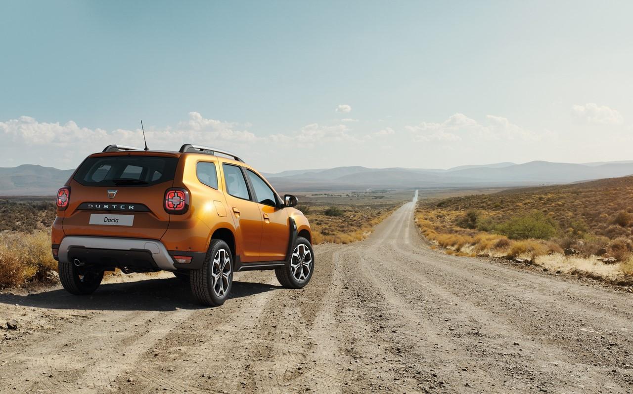 2018 Dacia Duster (2018 Renault Duster) rear three quarters