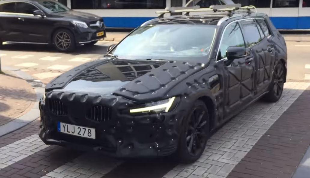 2018 Volvo V60 front three quarters spy shot