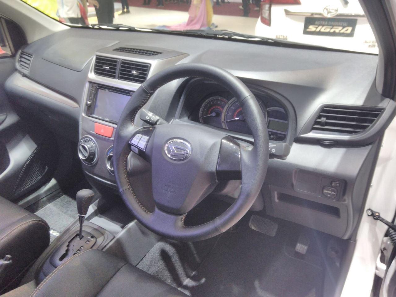 Daihatsu Xenia Special Edition GIIAS 2017 Dashboard