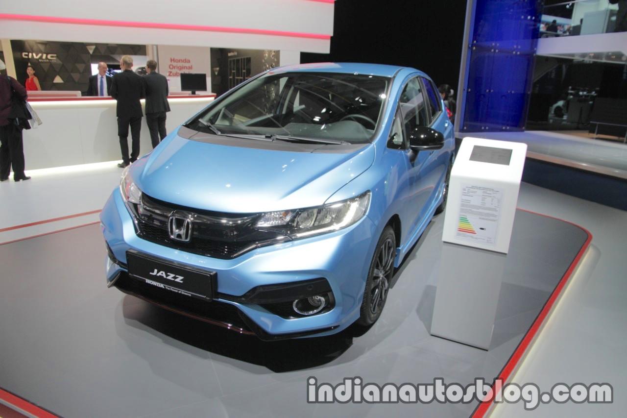 2017 Honda Jazz (facelift) front three quarters at the IAA 2017
