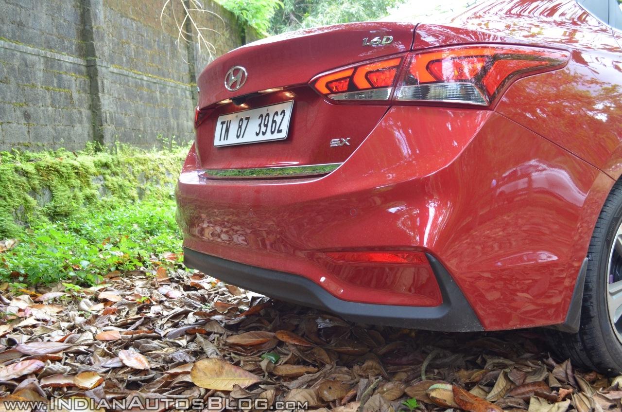 Hyundai Verna 2017 test drive review rear bumper
