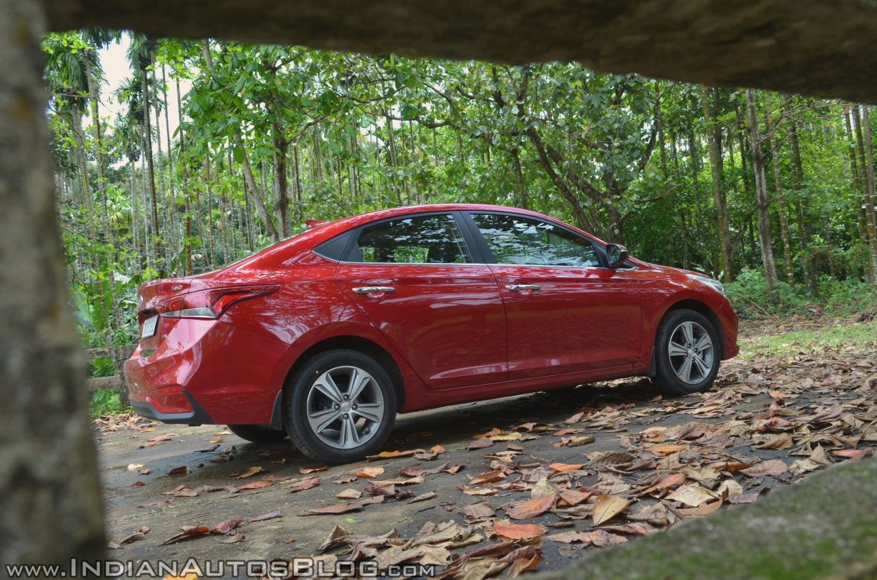 Hyundai Verna 2017 test drive review right side