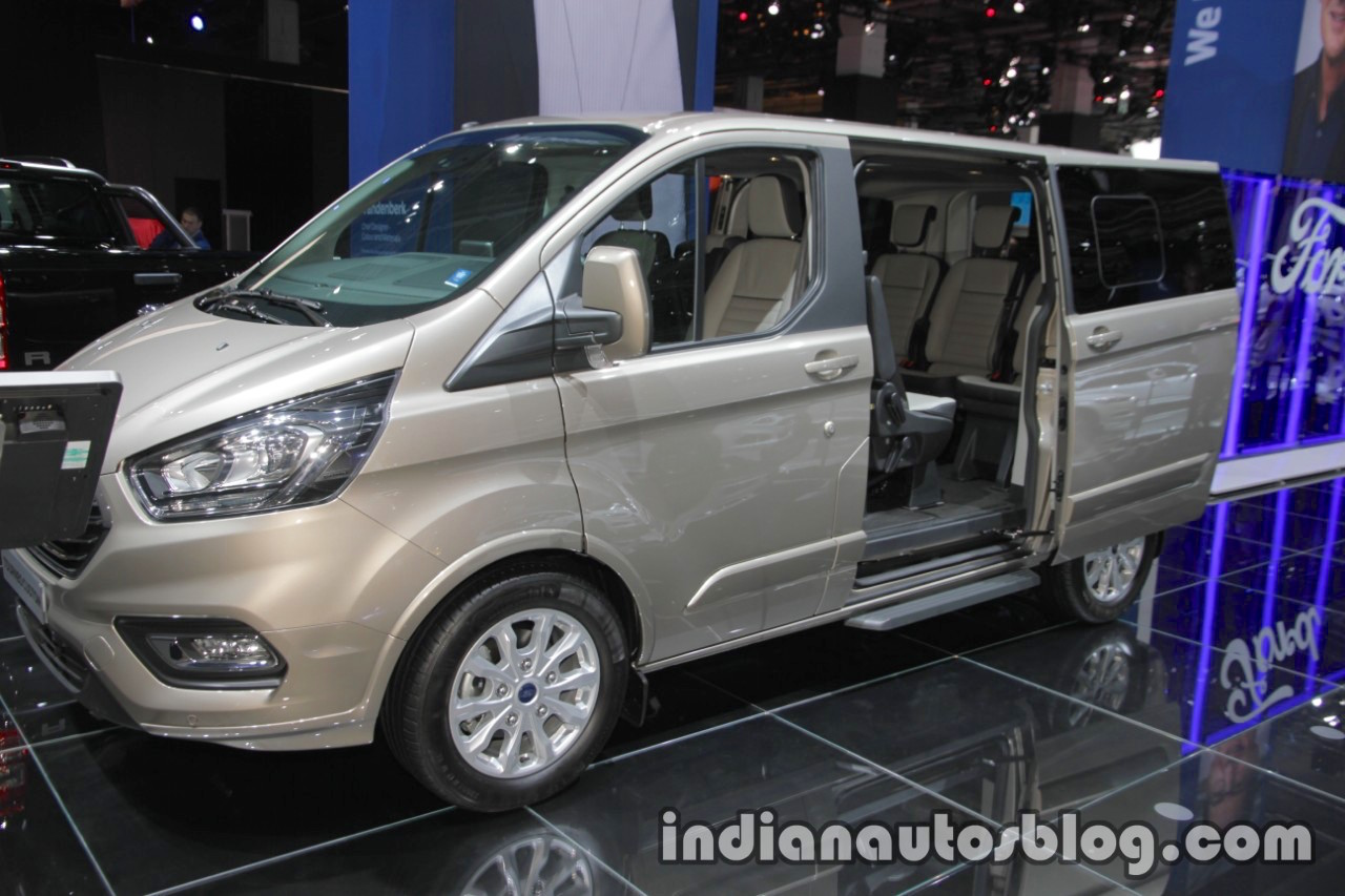 new ford tourneo custom showcased at iaa 2017 live. Black Bedroom Furniture Sets. Home Design Ideas