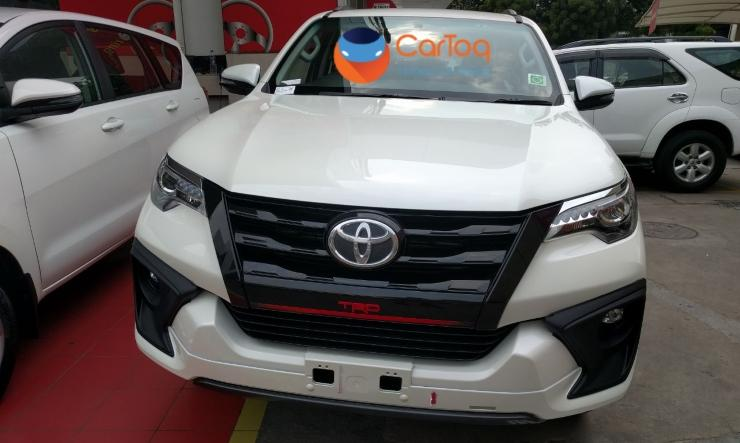 Toyota Fortuner TRD Sportivo front