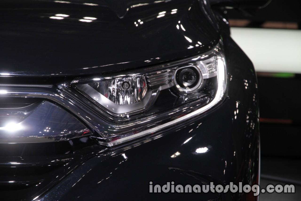 2017 Honda CR-V headlamp at 2017 Tokyo Motor Show