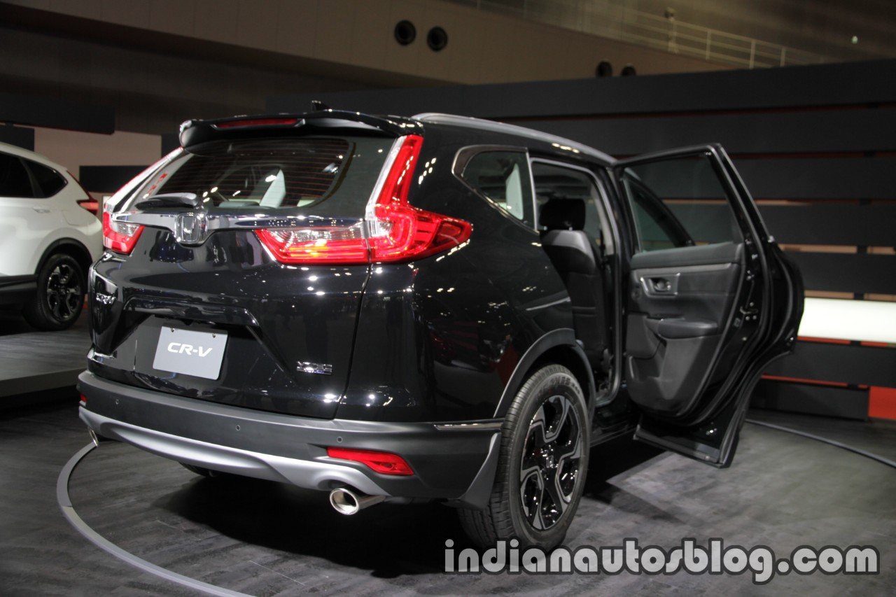2017 Honda CR-V rear three quarters right side at 2017 Tokyo Motor Show