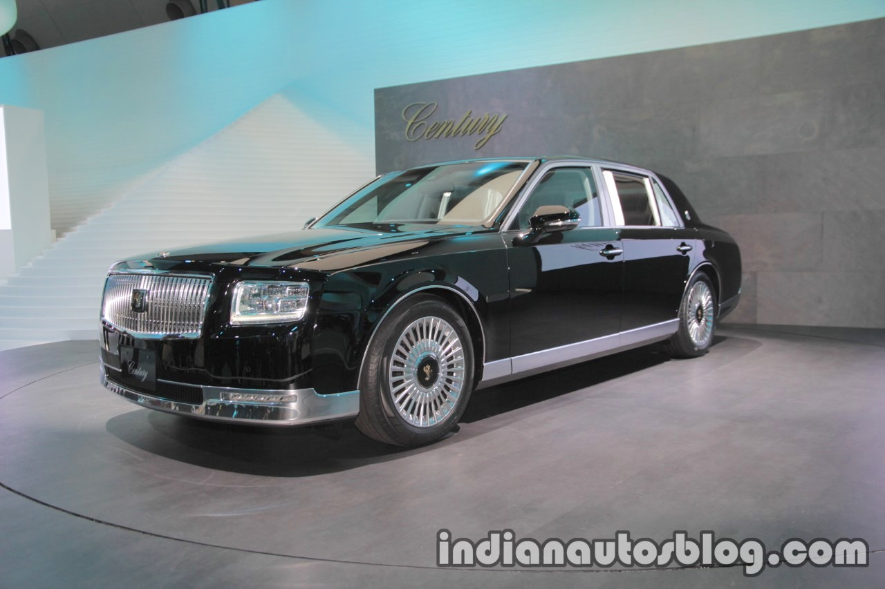 2018 Toyota Century front three quarters left side at 2017 Tokyo Motor Show
