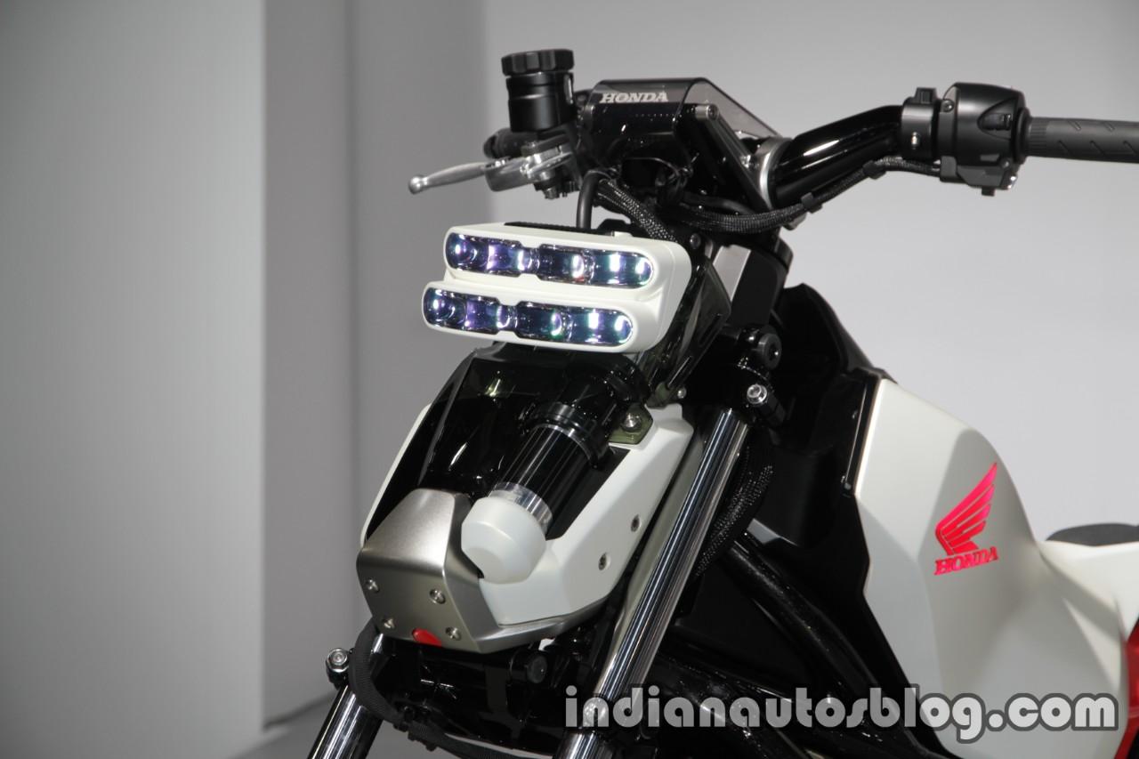 Honda Riding Assist-e Concept headlamp at 2017 Tokyo Motor Show