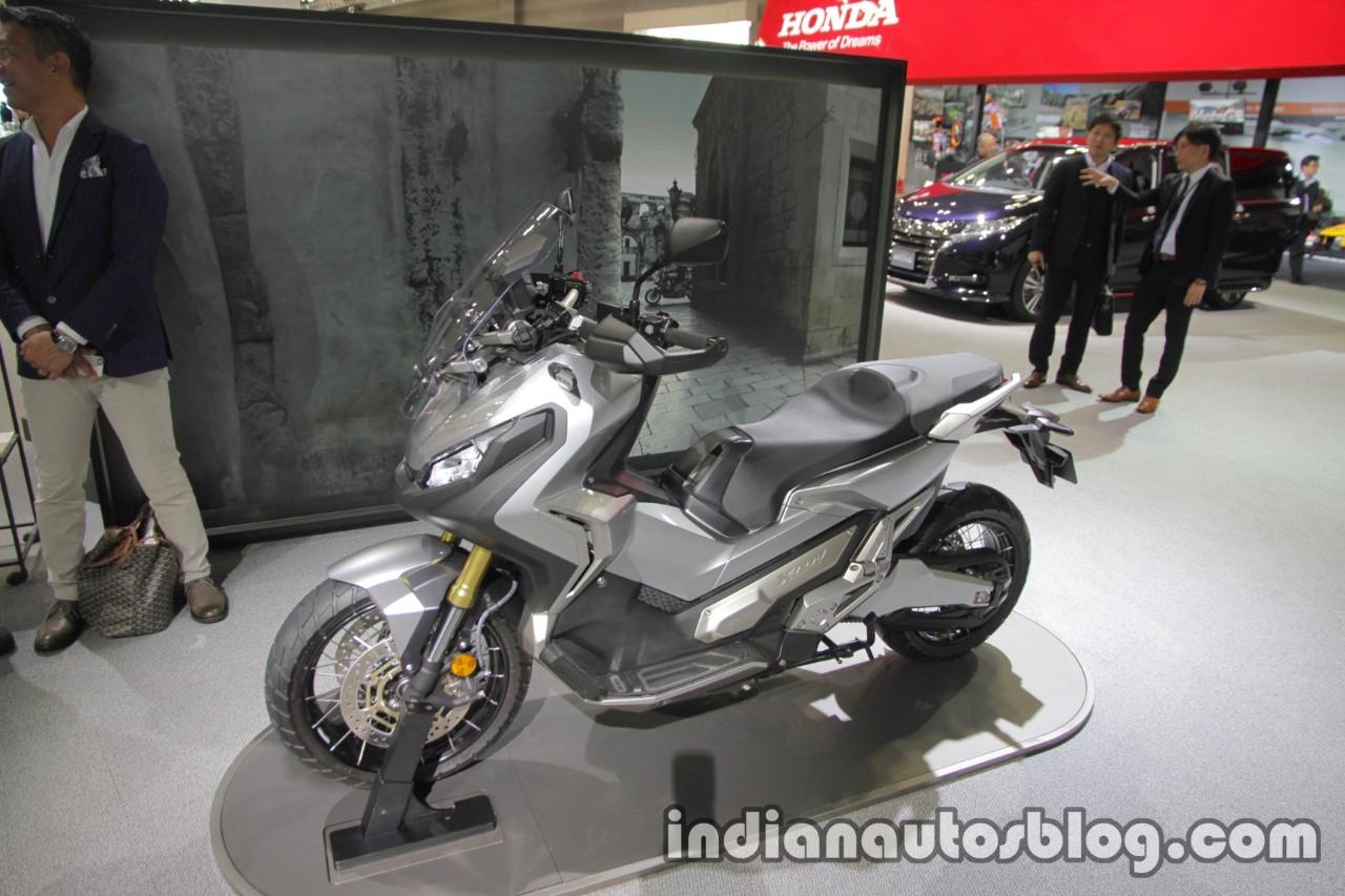 Honda X-Adv seat at the 2017 Tokyo Motor Show