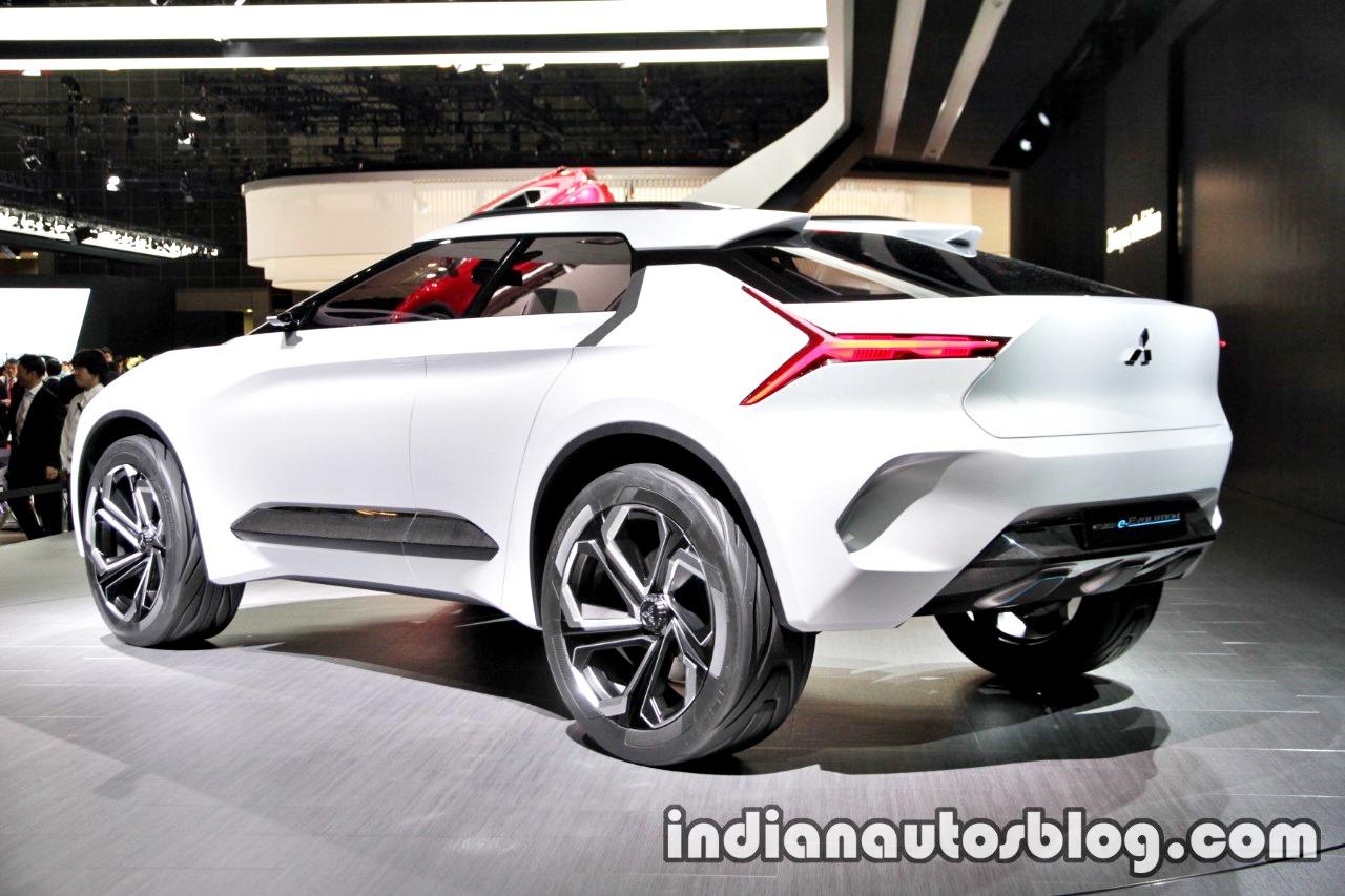 Mitsubishi e-Evolution concept 2017 Tokyo Motor Show rear three quarters