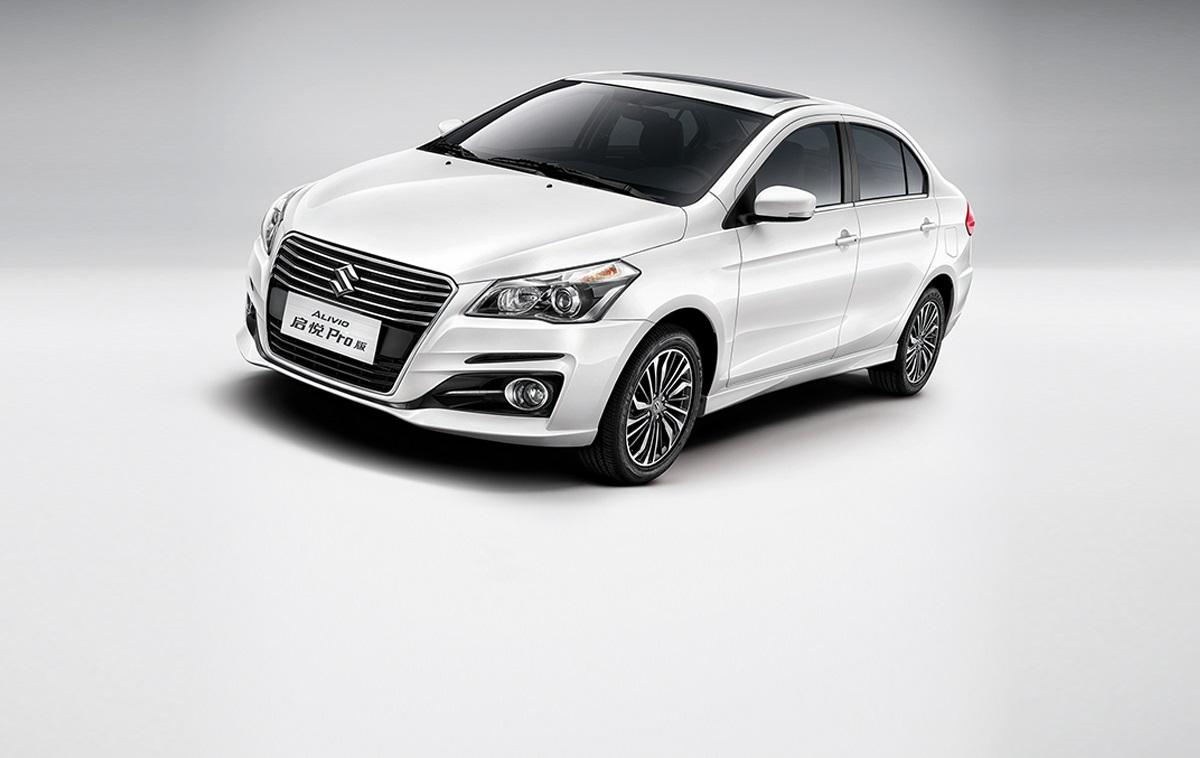 Suzuki Alivio Pro (Maruti Ciaz facelift) front three quarters angle
