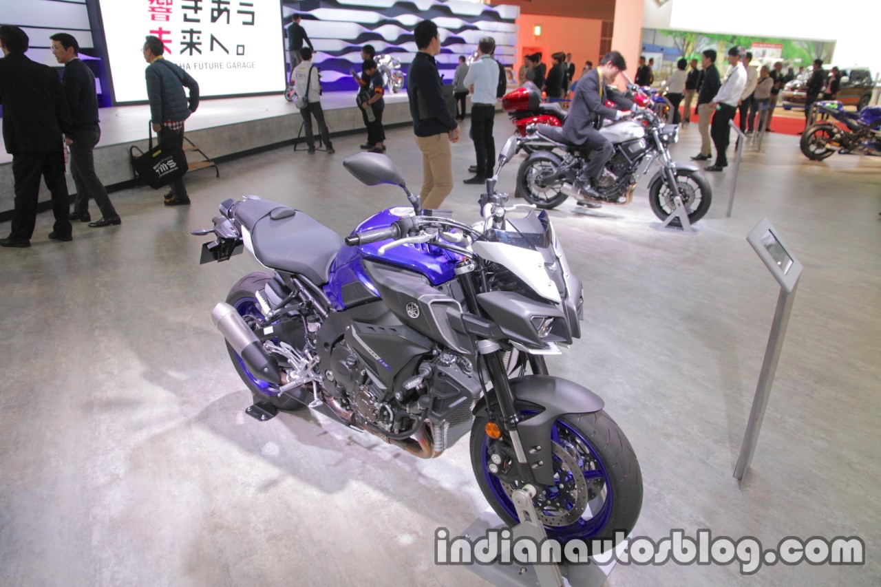 Yamaha MT-10 front three quarters right side at 2017 Tokyo Motor Show