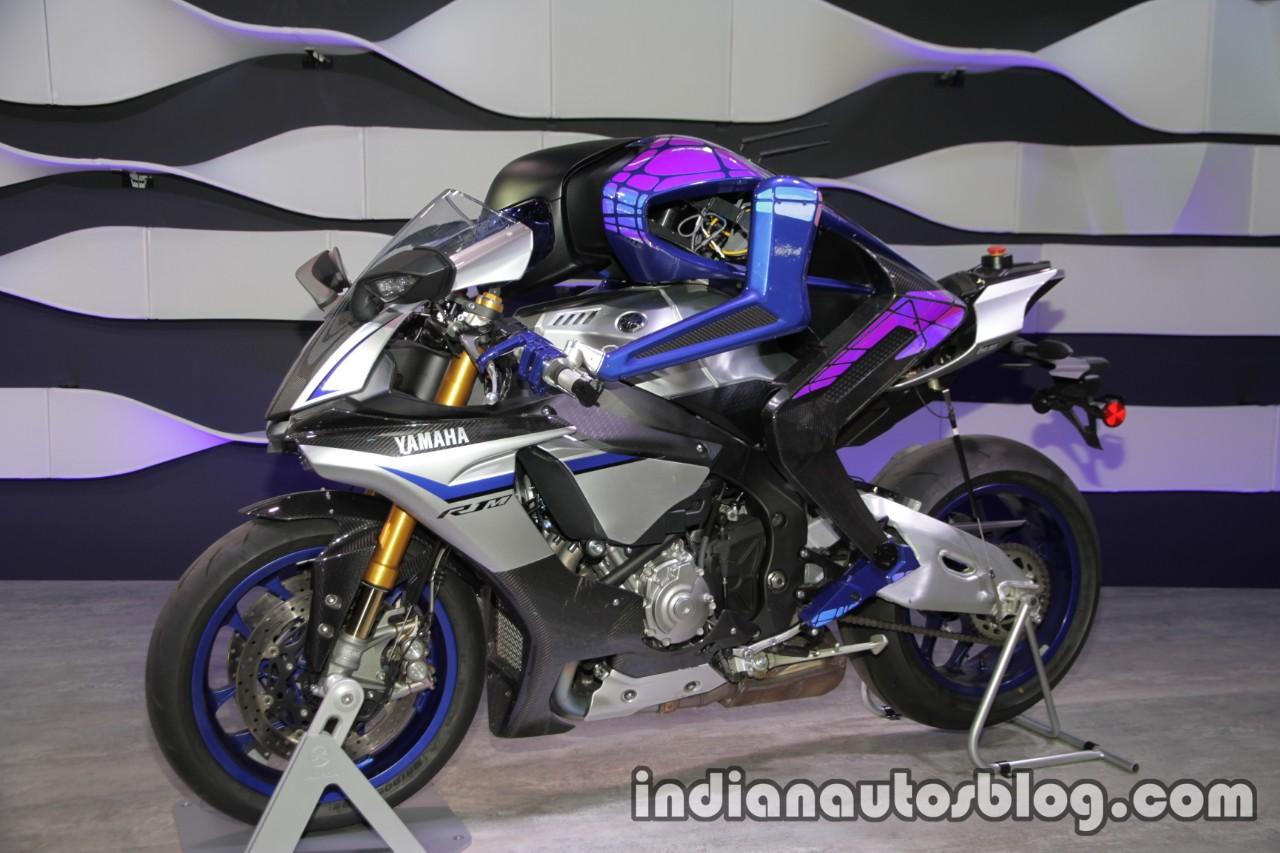 Yamaha Motobot Ver.2 concept left side at 2017 Tokyo Motor Show