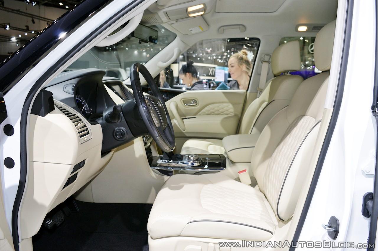 2018 Infiniti QX80 at Dubai Motor Show 2017 front seats