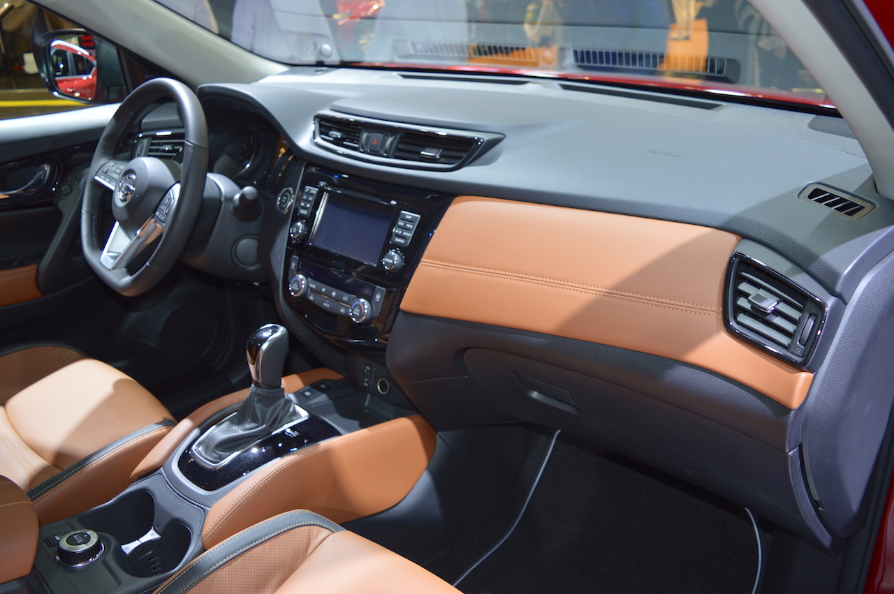 2018 nissan x trail dashboard passenger side view at 2017. Black Bedroom Furniture Sets. Home Design Ideas
