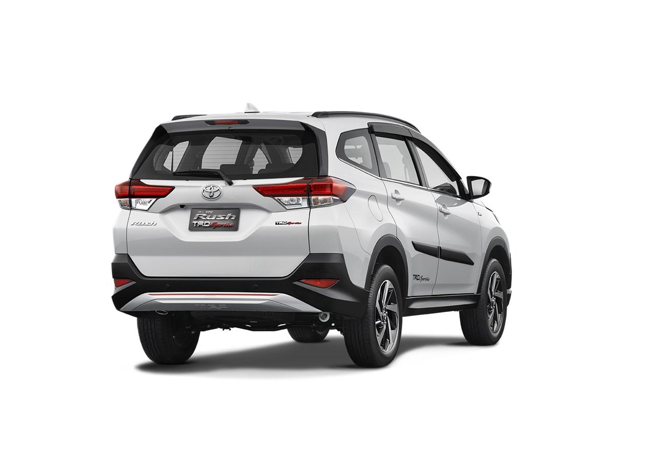 2018 Toyota Rush rear three quarters