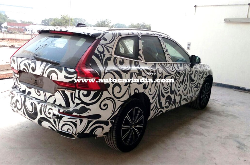 2018 Volvo XC60 spy picture