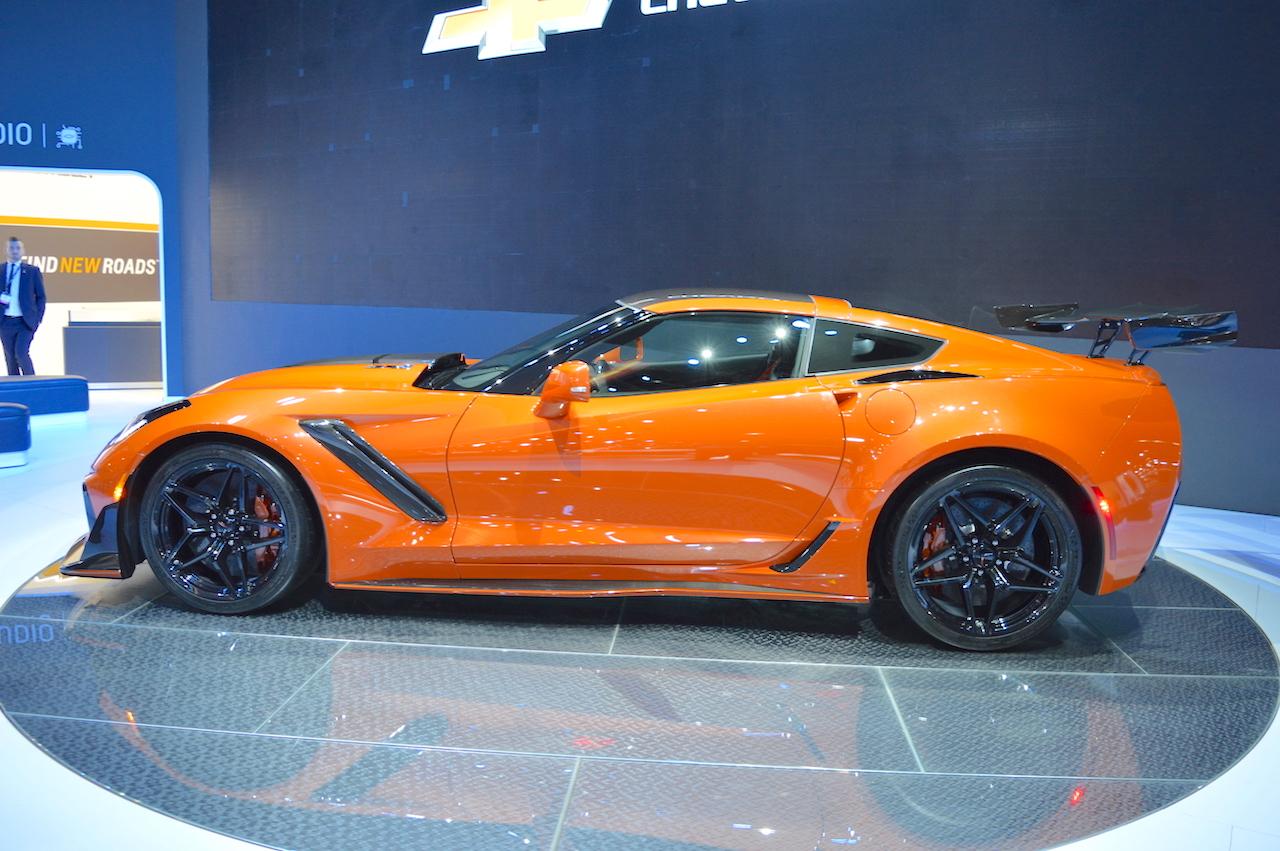 Tesla 2019 >> 2019 Chevrolet Corvette ZR1 profile at 2017 Dubai Motor Show